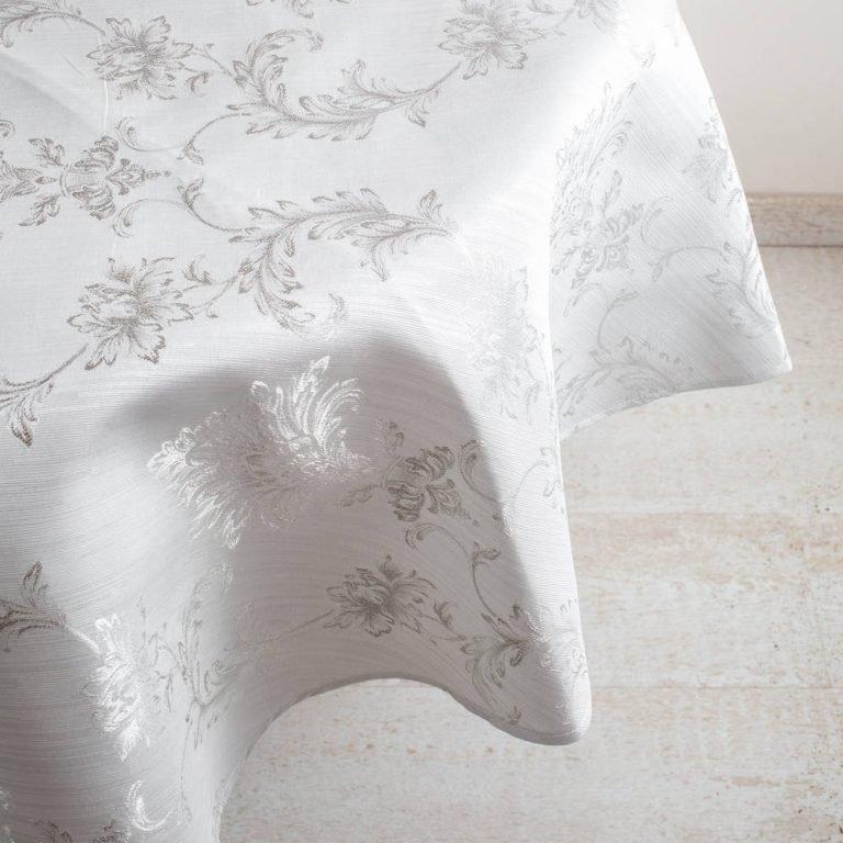 מפת שולחן מעוצבת לבנה בצורת עיגול