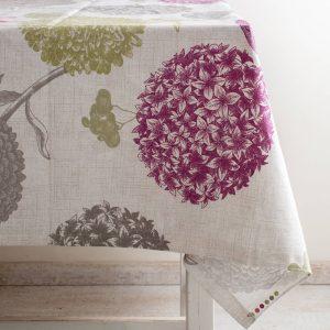 מפת שולחן מעוצבת עם פרחים